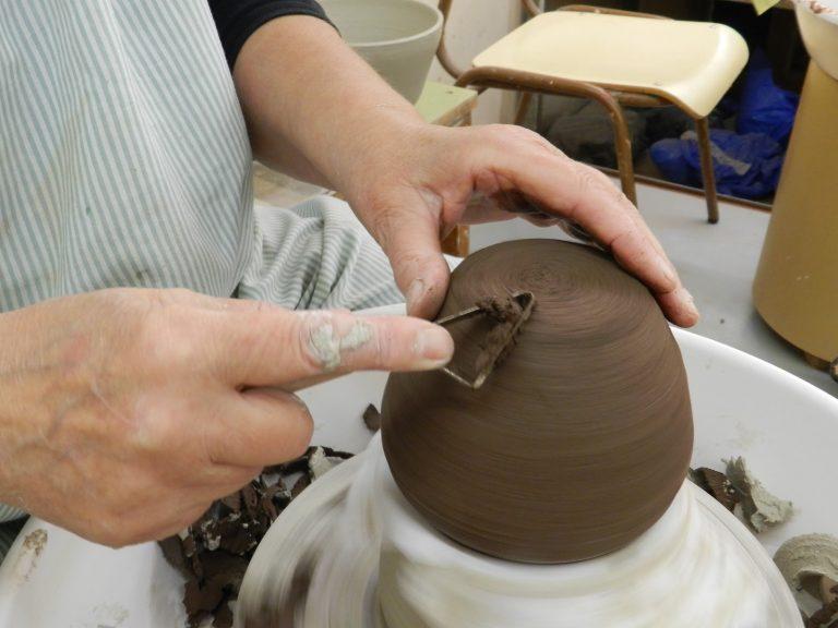 Realitza la preinscripció al grau superior de Ceràmica Artística